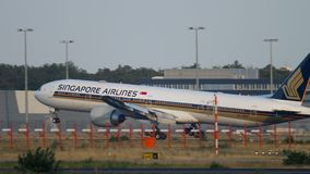 aterrissagem da Singapore Airlines Boeing 777 filme