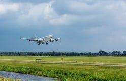 Aterrissagem de Airbus A 340 Fotografia de Stock