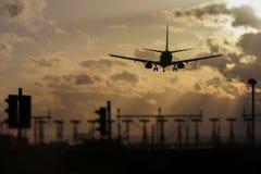Aterrissagem de avião imagem de stock royalty free