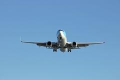 Aterrissagem de avião Imagens de Stock Royalty Free