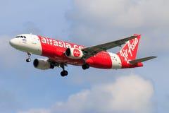 Aterrissagem de avião tailandesa de Air Asia no aeroporto internacional de Chiangmai Fotos de Stock Royalty Free