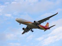 Aterrissagem de Hainan Airlines Airbus A321 em Pulkovo ai internacional Fotografia de Stock Royalty Free