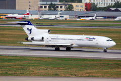 Aterrissagem de Iran Air Boeing 727 EP-IRR no international de Sheremetyevo Imagens de Stock