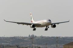 Aterrissagem de MEA Airbus 330 Fotografia de Stock
