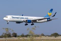 Aterrissagem de Thomas Cook 767 Fotos de Stock Royalty Free