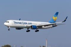 Aterrissagem de Thomas Cook 767 Foto de Stock Royalty Free