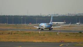 Aterrissagem de TUIfly Boeing 737 filme