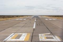 A aterrissagem do aeroporto e decola a zona imagens de stock royalty free