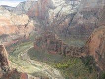 A aterrissagem do ` s do anjo que caminha o trajeto, Zion National Park, Utá Imagens de Stock