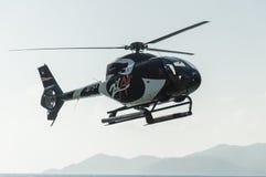 Aterrissagem dos helicópteros dos passageiros Imagens de Stock