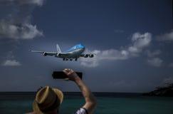 Aterrizaje bajo Imagen de archivo libre de regalías