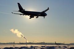 Aterrizaje de Aeroflot Airbus A330 VP-BLX en el aeropuerto internacional de Sheremetyevo Fotos de archivo libres de regalías