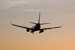 Aterrizaje de aeroplano Fotos de archivo libres de regalías