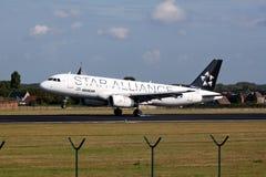 Aterrizaje de aeroplano de la alianza de la estrella de Aegan Imagen de archivo libre de regalías