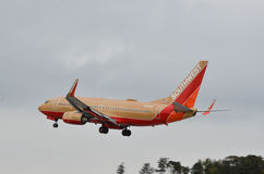 Aterrizaje de aeroplano de Southwest Airlines Imagen de archivo libre de regalías