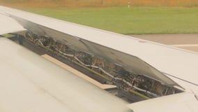 Aterrizaje de aeroplano de las aletas metrajes