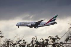 Aterrizaje de Airbus A380 de los emiratos Foto de archivo libre de regalías