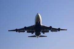Aterrizaje de B747 Delta Airlines Imagenes de archivo