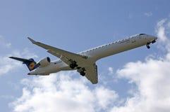Aterrizaje de la tolva de la ciudad de Lufthansa Fotos de archivo