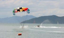 Aterrizaje de Parasail Imagenes de archivo