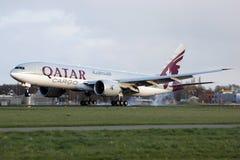 Aterrizaje de Qatar B777 Fotografía de archivo