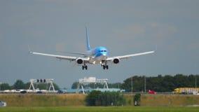 Aterrizaje de TUI Fly Boeing 737 almacen de video