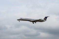 Aterrizaje de United Airlines Fotografía de archivo