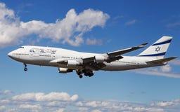 Aterrizaje del EL AL Israel Airlines Boeing 747 Fotos de archivo
