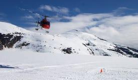 Aterrizaje del glaciar del helicóptero Fotos de archivo libres de regalías