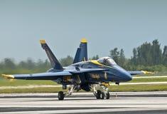 Aterrizaje del jet del ángel azul Fotografía de archivo libre de regalías