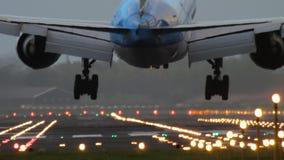 Aterrizaje del Klm Boeing 777 almacen de video