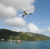 Aterrizaje ligero del airpplane Fotos de archivo