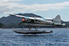Aterrizaje plano del flotador en Ketchikan Alaska foto de archivo libre de regalías