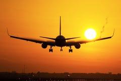 Aterrizaje plano en salida del sol Imágenes de archivo libres de regalías