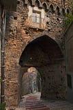Atessa, Abruzzo, Włochy: średniowieczna miasto brama Porta Di San Gius fotografia royalty free