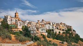Atessa Chieti, Abruzzo, Italien: den gamla staden på kullen Arkivbild