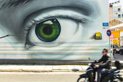 ATHÈNES, GRÈCE - art contemporain de graffiti sur des murs de ville Photo libre de droits