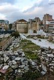 ATHÈNES, GRÈCE - 20 JANVIER 2017 : Vue de coucher du soleil de bibliothèque du ` s de Hadrian à Athènes, Attique Photographie stock libre de droits