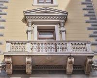 Athènes, Grèce, le balcon du bâtiment néoclassique images libres de droits