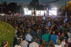 Athènes, Grèce, le 3 juillet 2015 Le maire d'Athènes, célébrités grecques et demonstrarte local de personnes au sujet du référend Photographie stock libre de droits
