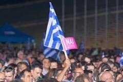 Athènes, Grèce, le 3 juillet 2015 Le maire d'Athènes, célébrités grecques et demonstrarte local de personnes au sujet du référend Photos libres de droits
