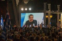 Athènes, Grèce, le 3 juillet 2015 Le maire d'Athènes, célébrités grecques et demonstrarte local de personnes au sujet du référend Photos stock