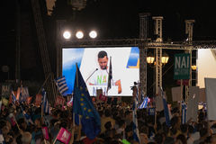 Athènes, Grèce, le 3 juillet 2015 Le maire d'Athènes, célébrités grecques et demonstrarte local de personnes au sujet du référend Images stock