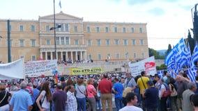 ATHÈNES - LA GRÈCE, JUIN 2015 : vue de protestations banque de vidéos