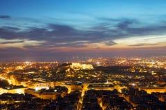 Athènes la nuit Photographie stock libre de droits