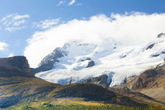 athabascaglaciär med solcolumbia icefield Kanada Arkivbild