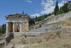 Atheense Schatkist; Stoa van Athenians in Delphi, Griekenland 2 Stock Afbeelding