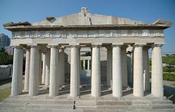 Athen Akropolis im Fenster des Weltparks stockfotos