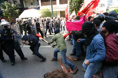 Athen-Aufstände, Kursteilnehmer sammeln, 2006 stockbild