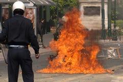 Athen-Aufstände, Kursteilnehmer sammeln, 2006 stockfotos